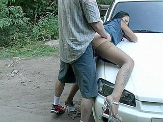 снял проститутку на трассе и
