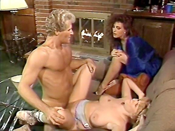 Порнофильмы рэнди вест, мастурбирует с косичками с большими сиськами